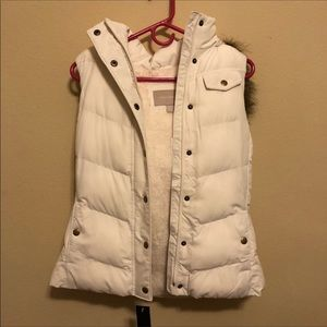 NWT Banana Republic puffer vest with faux fur S